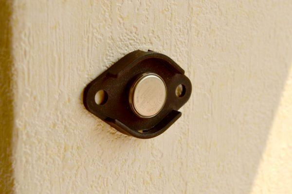 accesorio de montaje datalogger en la pared-2