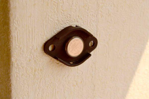 accesorio de montaje datalogger en la pared